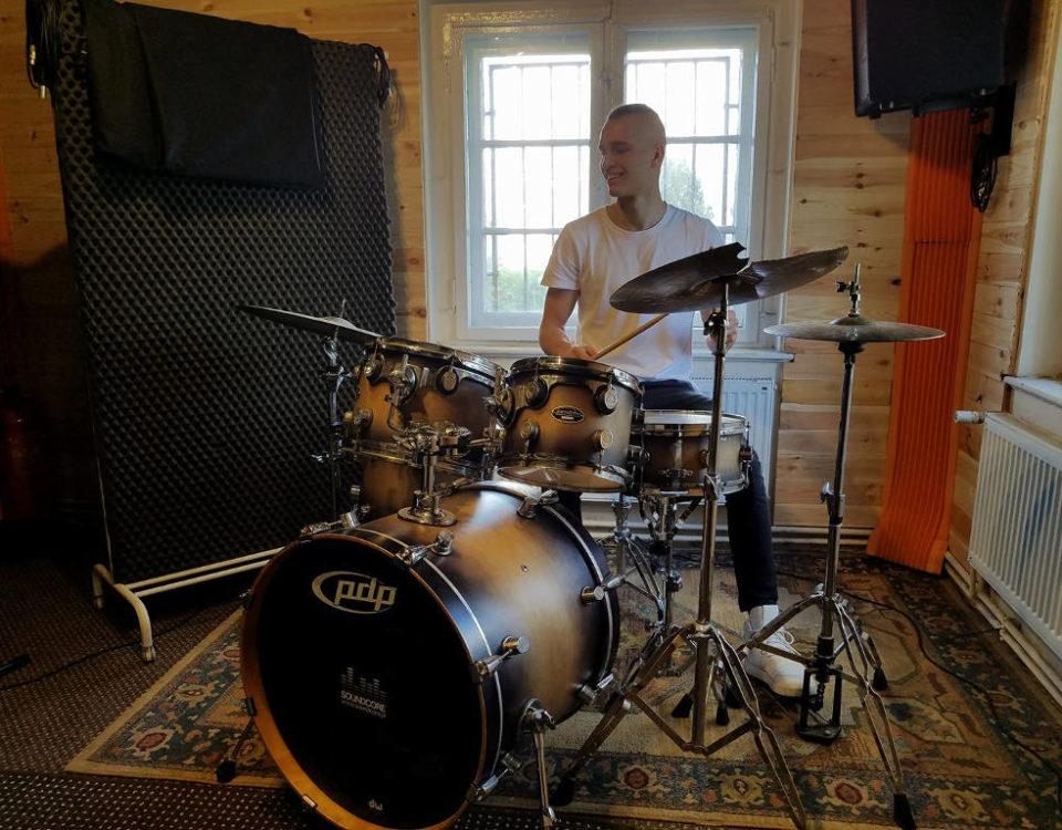 Wojciech Kazieczko w studiu nagrań