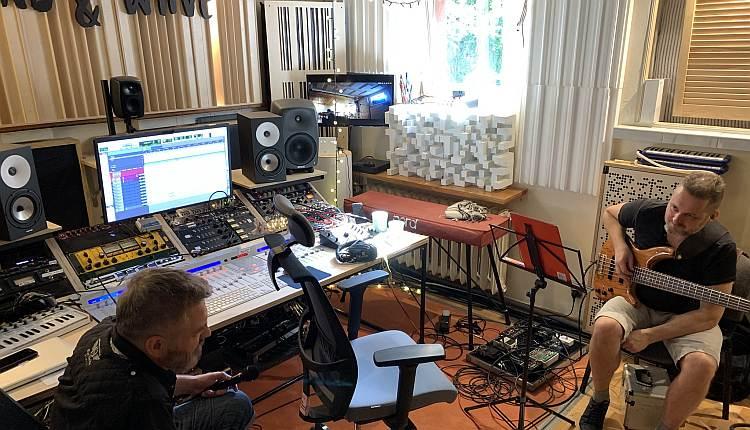 panele akustyczne w studiu nagrań